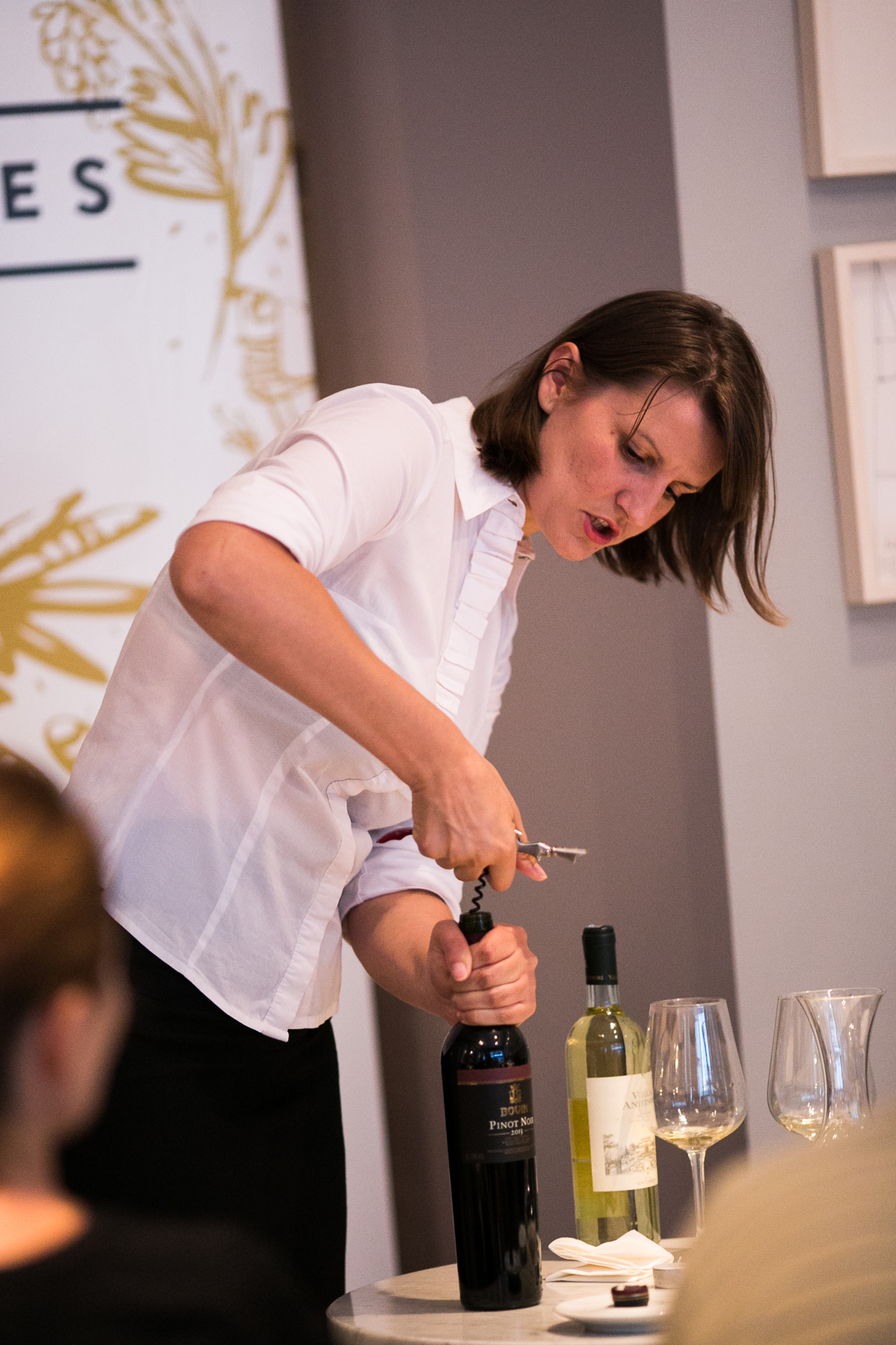 Pravilno posluživanje vina Jelena Šimić Valentić
